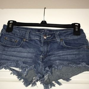Shortie denim shorts
